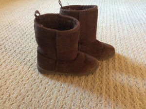 Brown suede winter boots size 9