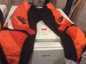 Motocross - 2 Pants, 2 Tops and 1 Jacket