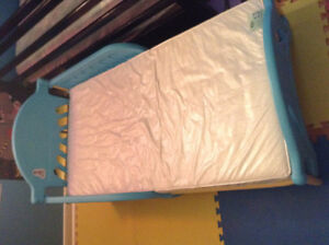 Toddler Bed with Excellent Condition Matress