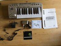 Behringer UMX 25 USB/ Midi Controller Keyboard
