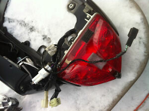 GSXR750 SUZUKI 08-10 TAIL SECTION WITH TAIL LIGHT & SIGNAL Windsor Region Ontario image 5
