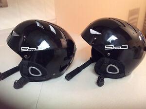 2 ski helmets