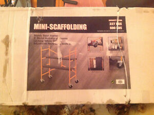 Mini scaffolding set