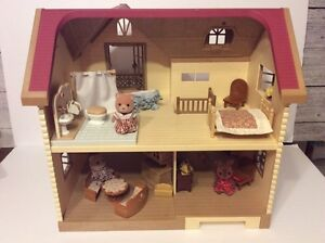 Sylvanian Families/Calico Critters Retired Larchwood Lodge