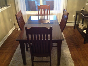 Reduced- Wheaton's Oak Dining Room Table w Glass Top & 4 Chairs
