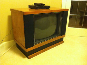 Retro TV in Built-In Cabinet