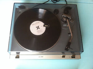 Vintage turntable BAYCREST PLUS 2000 (1979) in good condition