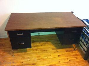 Bureau - Desk (bonne/good condition)