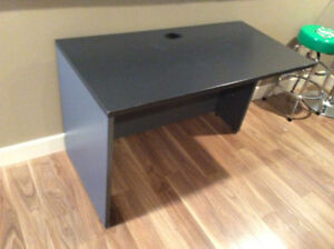 Desk to give away