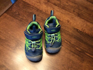 Keen Running Shoes Size 9 - Toddler