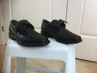 Black Dr. scholl's shoes, size 9.