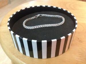 Magnifique bracelet argent avec zircons de qualité