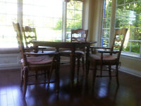beautiful round table and chairs