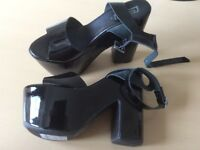 BLACK GLOSS TOPSHOP LADIES SHOES - BRAND NEW- SIZE 6