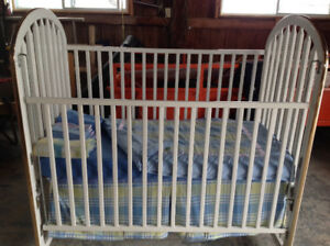 Bassinette transformable en lit junior et literie