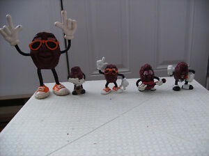 CALIFORNIA RAISINS FIGURES