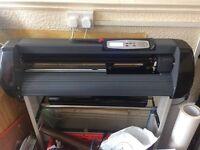 2x vinyl cutters plus software