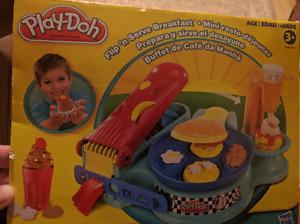 Play-Doh Flip & Serve Breakfast Set