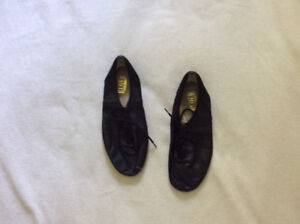 Jazz dance shoes size 8