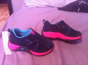 Brand New Infants Merrell Shoes Size 6