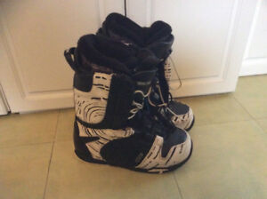 Nitro quick lace snowboard boots size 8.5 men's 10 women's