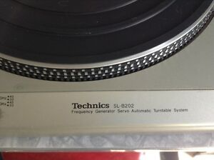 Technics SL-B202 Turntable-great for parts