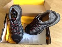 CAT SAFETY TRAINER SIZE 9 New in box.