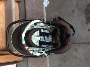 Selling saftey first stroller and car seat with base Strathcona County Edmonton Area image 3