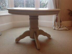 DINING TABLE £125