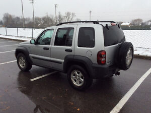 2006 JEEP LIBERTY 4X4 - TURBO DIESEL CRD - SUPER RARE! West Island Greater Montréal image 5