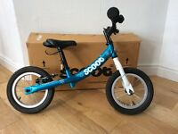 Turquoise Scoot Balance bike- frozen theme