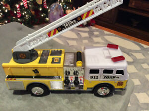 Yellow Tonka Fire Truck W Motorized Rotating Ladder