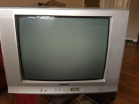 25 inch TV ~ suitable for cottage