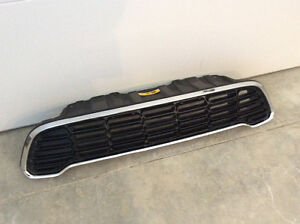 Mini Countryman Front Grille (black with chrome edging)