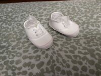 Baby shoes euc size 2