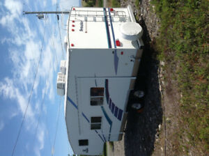 26.5ft 5th wheel prowler REDUCED FOR QUICK SALE