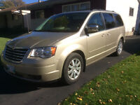 2008 Chrysler Town & Country, wheelchair ready, safety, loaded