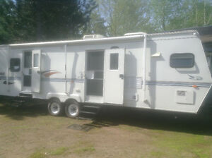 2000 JAYCO EAGLE 31.5' TRAVEL TRAILER