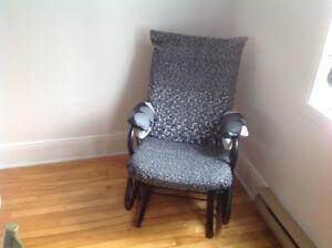 Chaise berçante à bille