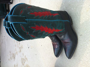 Cowboy boots - ladies/girls. BARELY WORN