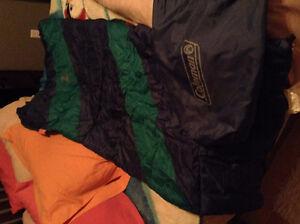 15$ sac de couchage junior - DOIT PARTIR VITE!!