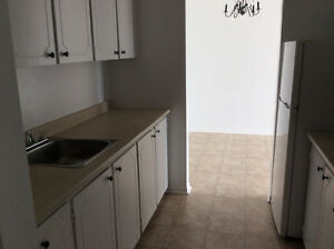 Large 2BR Apt. with Balcony in Clayton Park