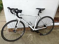 Giant Defy 4 Road Bike Great Condition