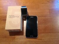Samsung Galaxy S5 and Samsung Gear Watch