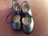 children's size 9 tap shoes