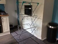 Collapsible clothes airer - as new