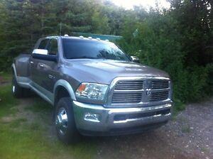 2010 Dodge Power Ram 3500 mega cab Pickup Truck