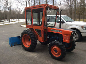 4 X 4 Kubota L245DT Tractor with 5 ft Two Stage Snowblower