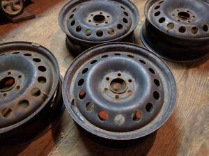 4 Rims 17 pouce 6 trous usagés à vendre