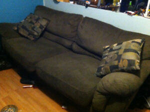 Couch and love seat Cornwall Ontario image 1